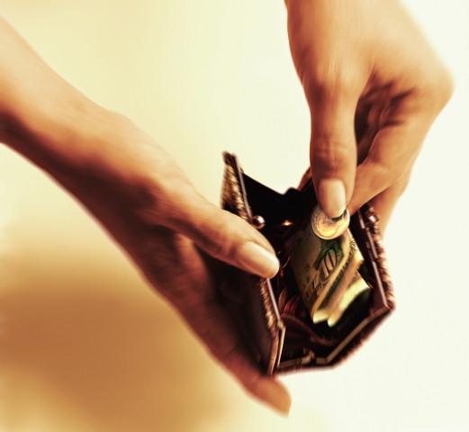 Почему денег вечно не хватает и как притягивать деньги?