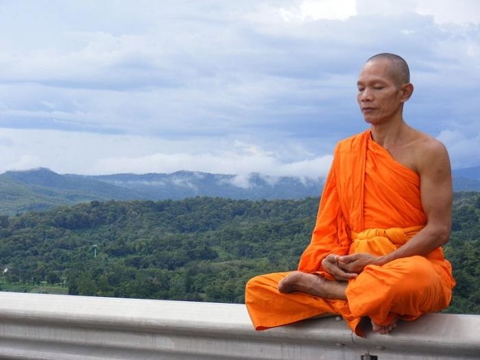 Монахи Кришнаиты расскажут вам, в чем смысл жизни.